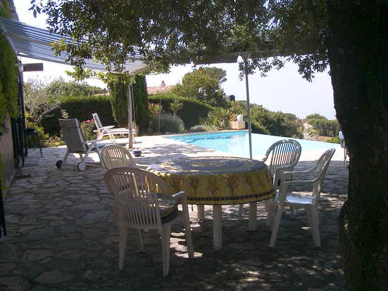 Vacation rental house / villa Les issambres 2 660€ - Picture 4