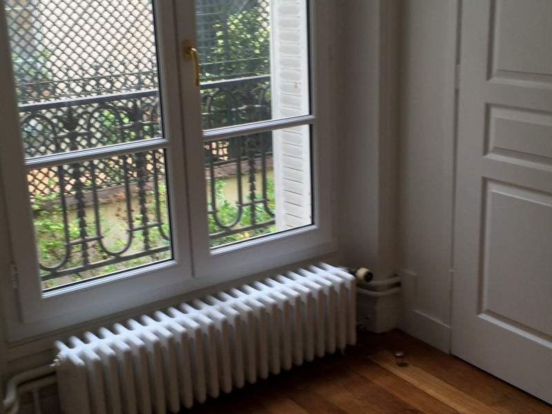 Location appartement Paris 16ème 1 600€ CC - Photo 1