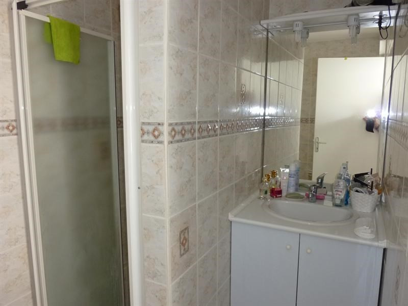 Rental apartment Saintes 372,20€ CC - Picture 5