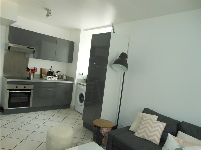 Location appartement Brie comte robert 710€ CC - Photo 2