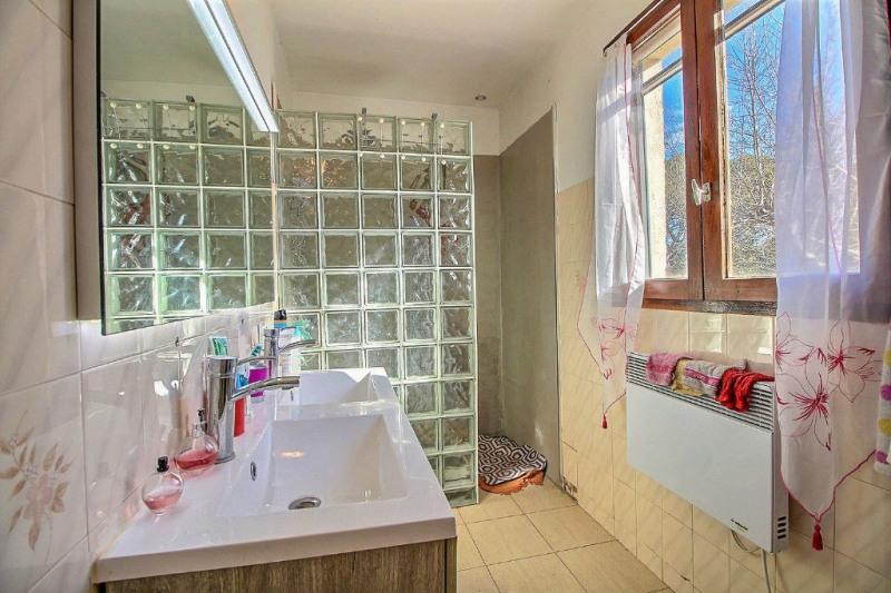 Vente maison / villa Nimes 389500€ - Photo 7