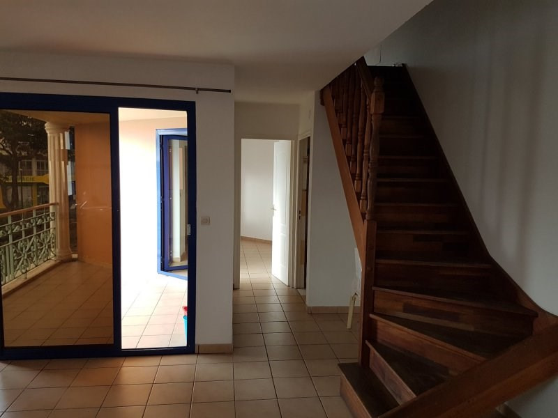 Rental apartment Le tampon 580€ +CH - Picture 6