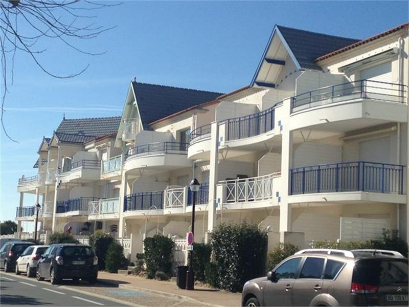 Verhuren vakantie  appartement Chatelaillon-plage 304€ - Foto 1
