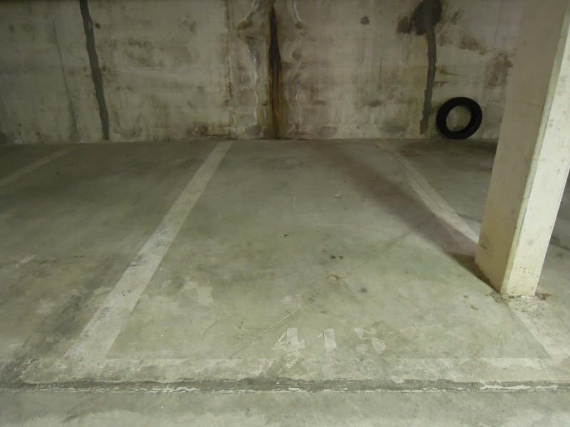 Rental parking spaces Crepy en valois 70€ CC - Picture 1