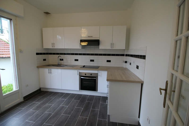 Rental house / villa Le vesinet 2390€ CC - Picture 3