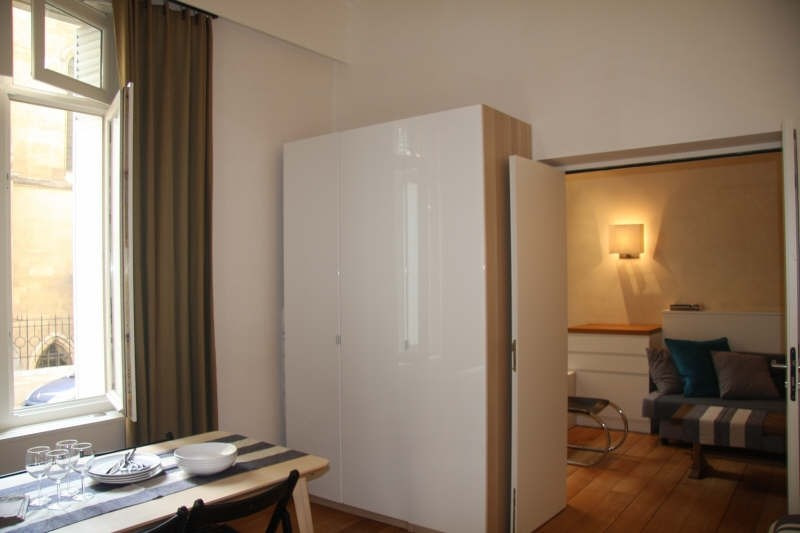 Location appartement Paris 8ème 2 120€ CC - Photo 2