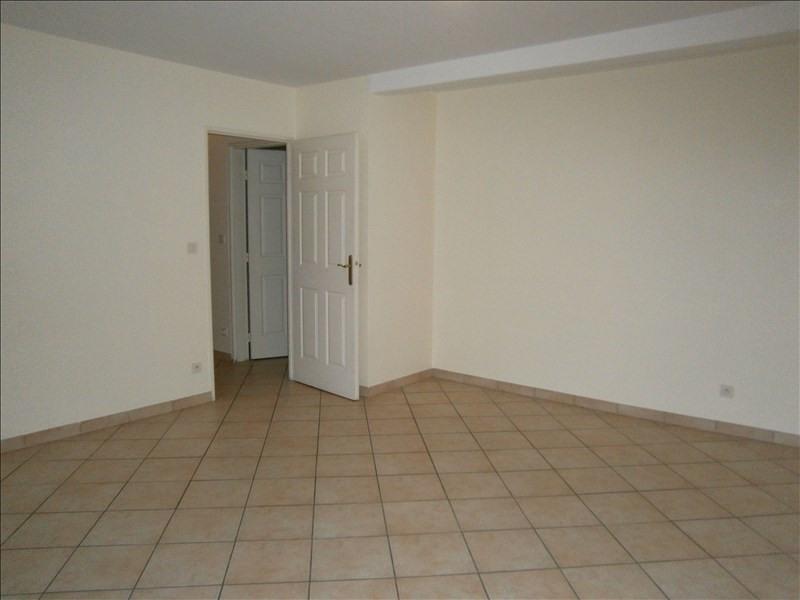 Location appartement Voisins le bretonneux 995€ CC - Photo 2