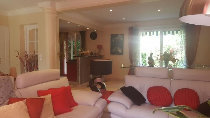Vente maison / villa Chennevieres sur marne 530000€ - Photo 4