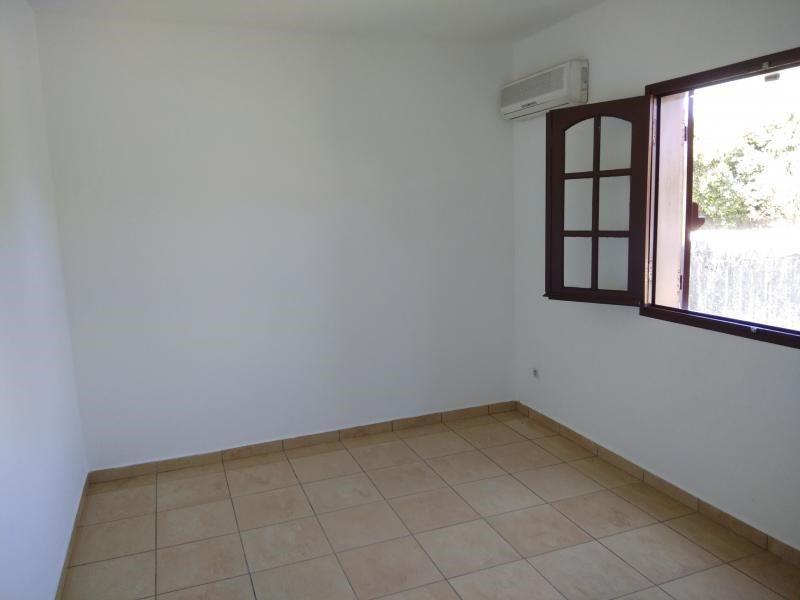 Rental house / villa St benoit 1 244€ CC - Picture 5