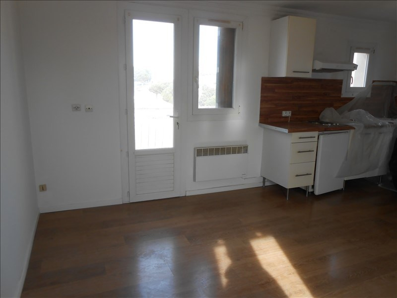 Location appartement Port de bouc 475€ CC - Photo 3