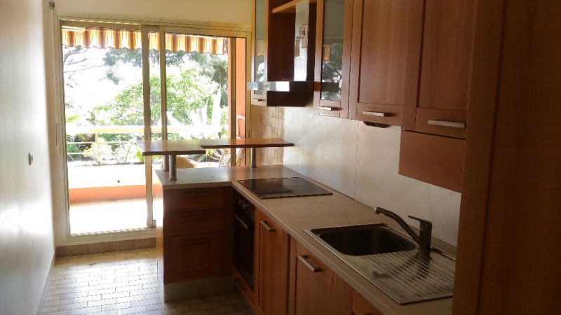 Location appartement Saint laurent du var 920€ CC - Photo 4