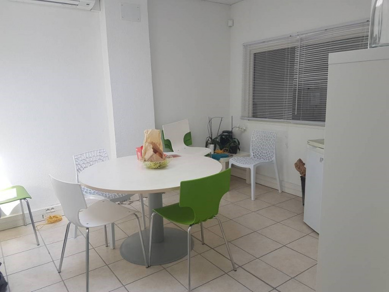 Rental empty room/storage Avignon 860€ CC - Picture 4
