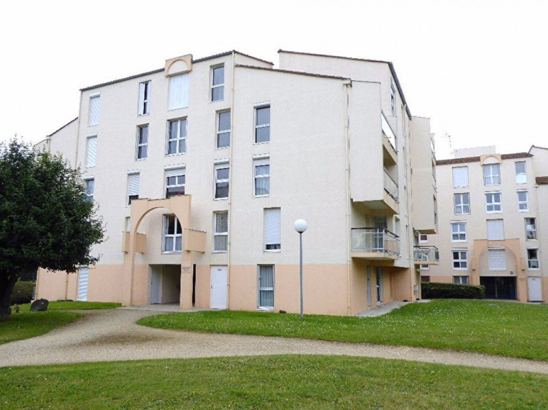 Sale apartment La rochelle 145 000€ - Picture 1