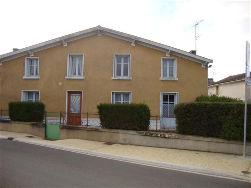 Vente maison / villa Saint jean d'angély 74900€ - Photo 1