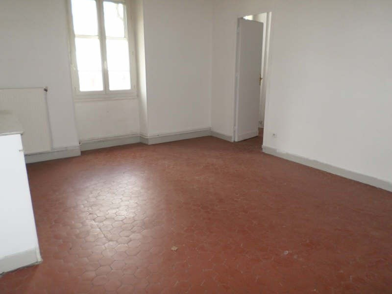 Location appartement Salon de provence 800€ CC - Photo 3