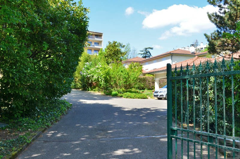 Sale house / villa Ecully 690000€ - Picture 2