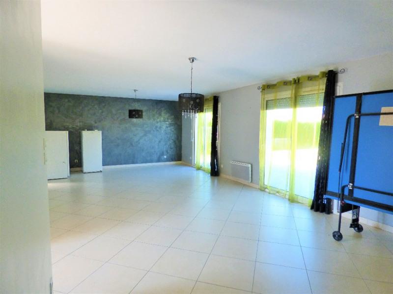 Sale house / villa Gauriaguet 220000€ - Picture 2