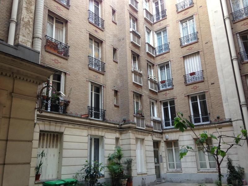 Location appartement Paris 19ème 910€ CC - Photo 3