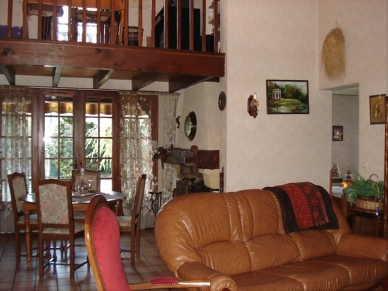 Sale house / villa Castelnau de medoc 254400€ - Picture 5