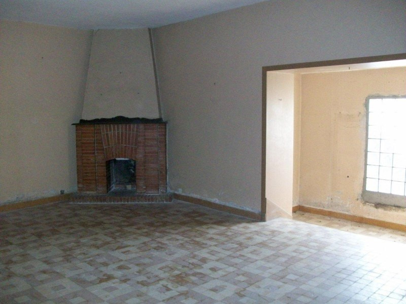Sale house / villa Coutouvre 110000€ - Picture 7