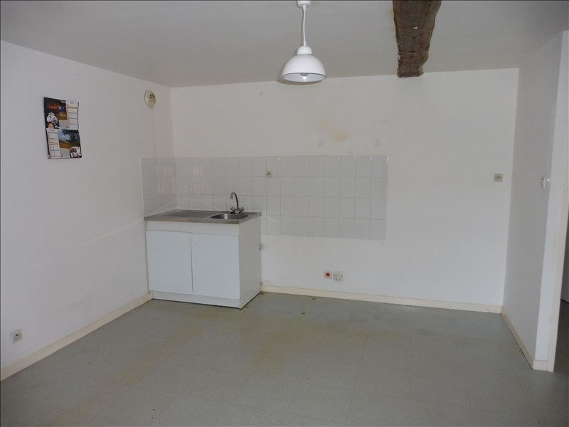 Rental apartment Beaupreau 430€ CC - Picture 2
