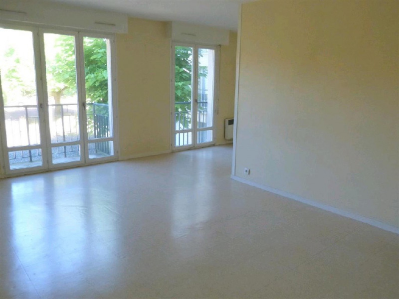 Rental apartment Fontainebleau 940€ CC - Picture 2