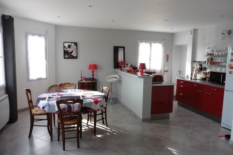 Sale house / villa Montpinchon 199000€ - Picture 2