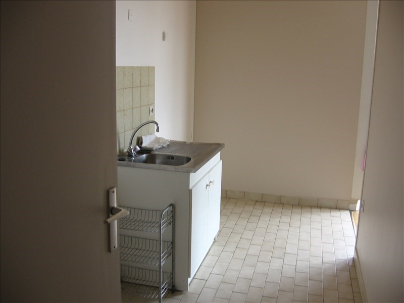 Location appartement Evry 610€ CC - Photo 4