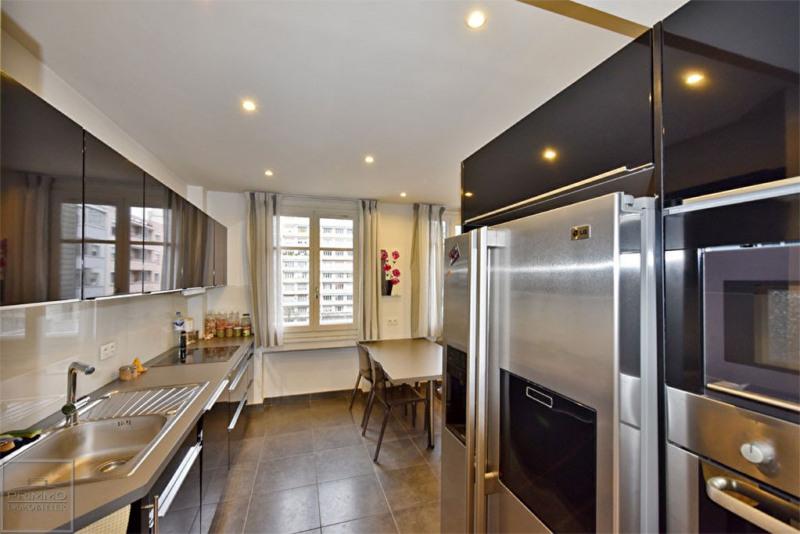 Deluxe sale apartment Lyon 6ème 570000€ - Picture 4