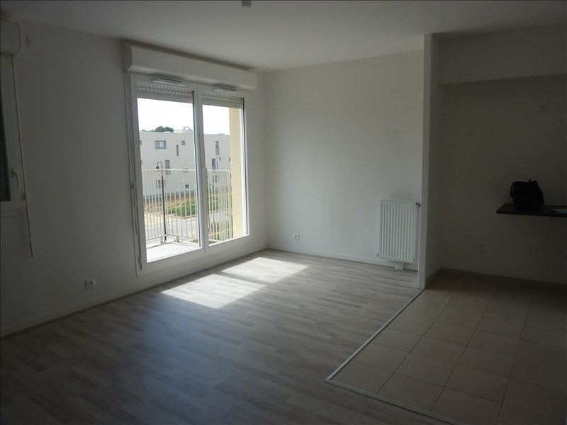 Location appartement Chessy 985€ CC - Photo 5