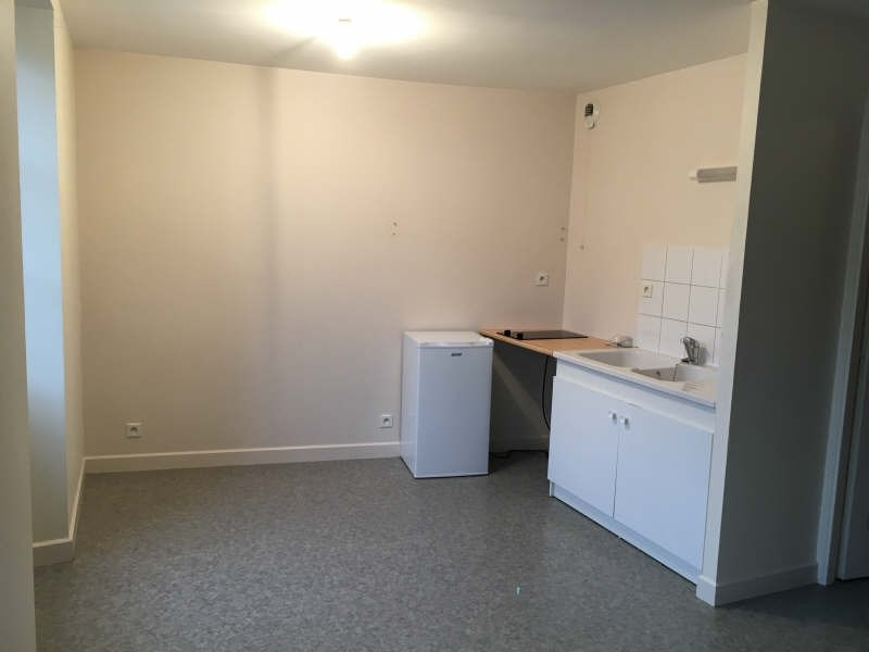 Location appartement Poitiers 426€ CC - Photo 1
