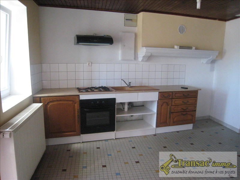 Sale house / villa Puy guillaume 76 300€ - Picture 1
