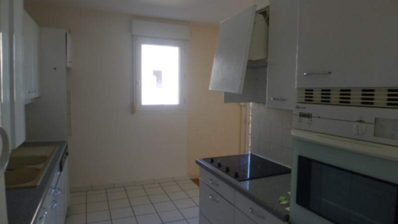 Location appartement Oullins 795€ CC - Photo 2