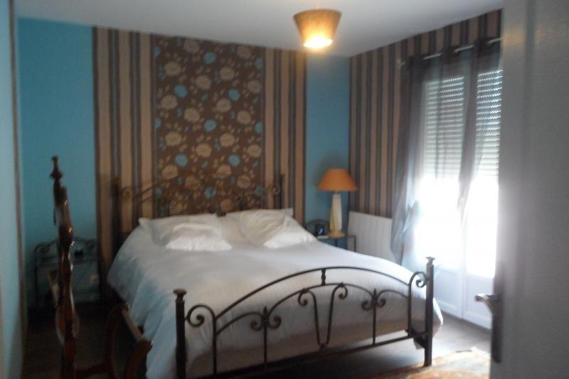 Sale house / villa Oradour sur glane 353000€ - Picture 4