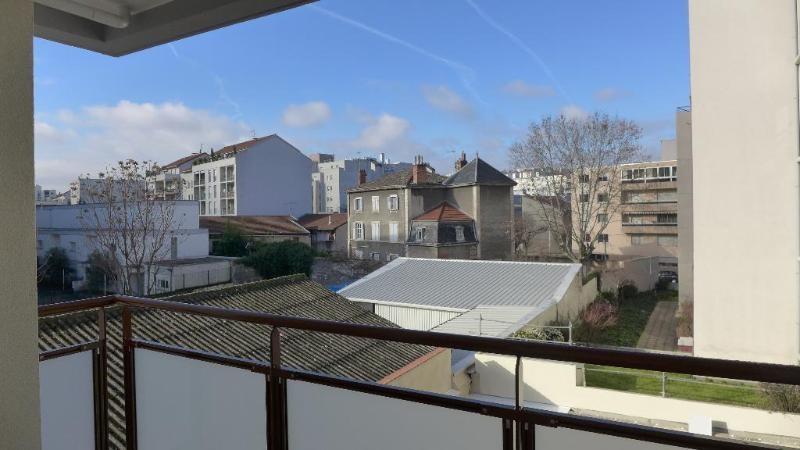 Location appartement Lyon 7ème 797€ CC - Photo 3