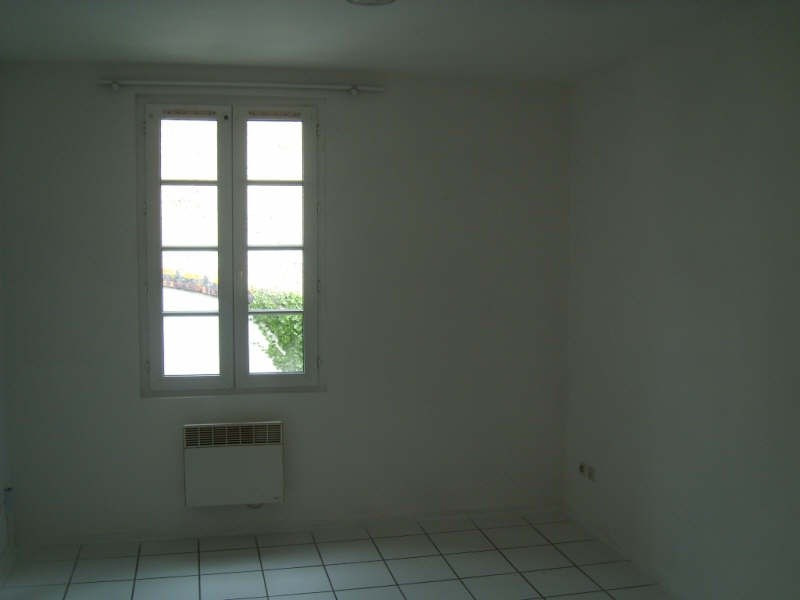 Location appartement Angouleme 310€ CC - Photo 3