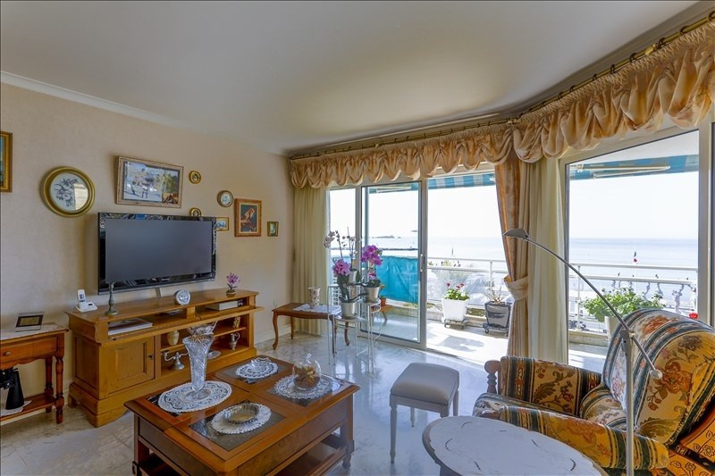 Deluxe sale apartment St raphael 1 090 000€ - Picture 7