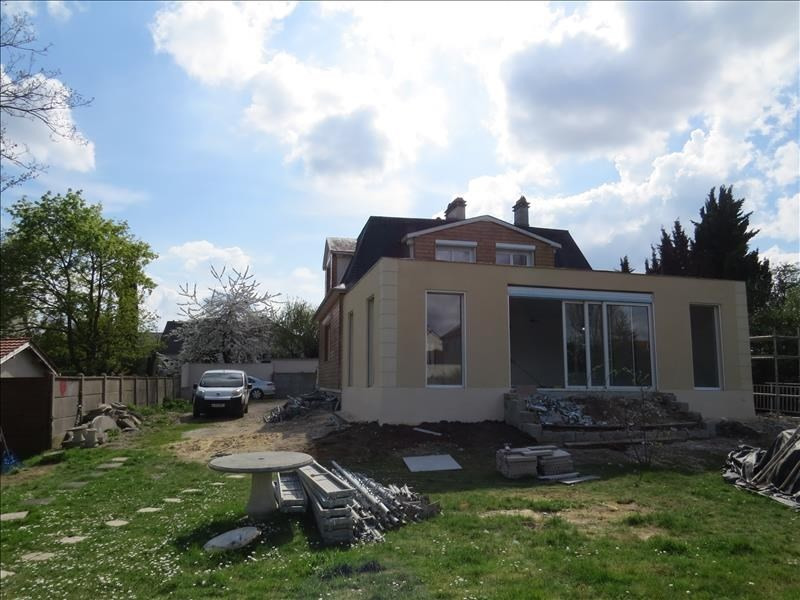 Deluxe sale house / villa Le mesnil le roi 1765000€ - Picture 2