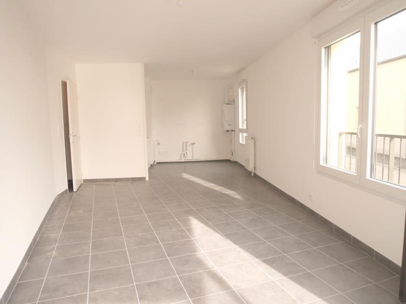 Rental apartment L hermitage 632€ CC - Picture 3