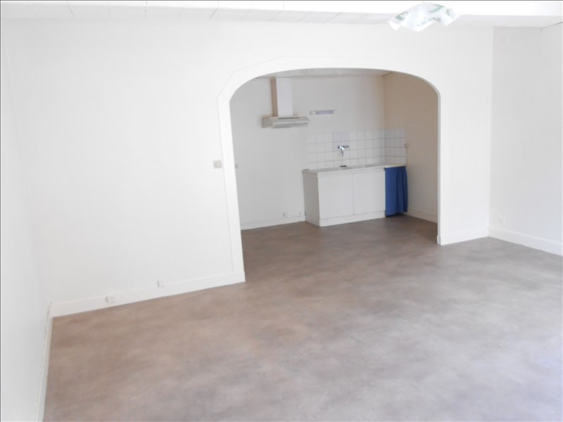 Rental apartment Aulnay 360€ CC - Picture 2