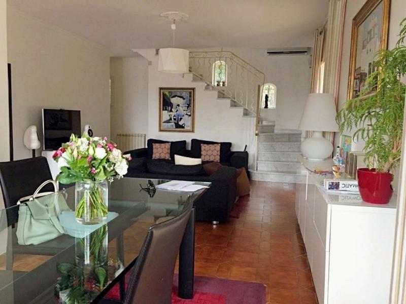 Location maison / villa Eguilles 2380€ CC - Photo 3