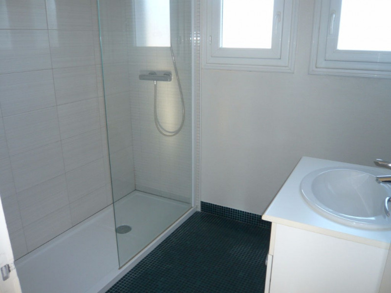 Rental house / villa Bonchamp les laval 758€ CC - Picture 4