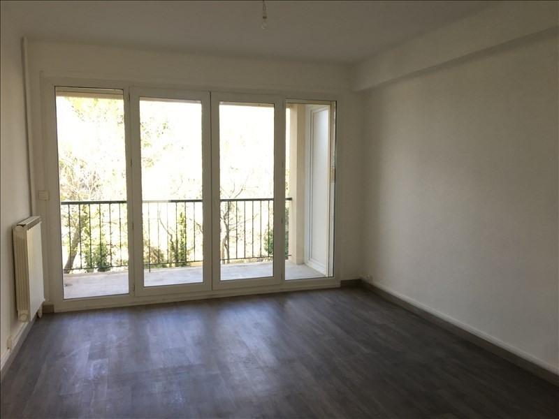 Rental apartment Aix en provence 875€ CC - Picture 3