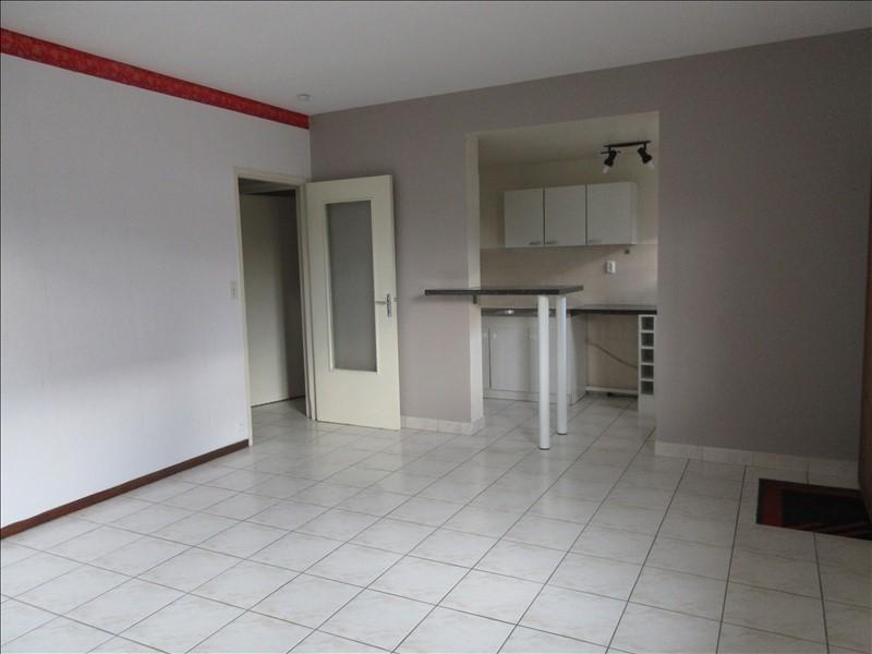 Verhuren  appartement Voiron 381€ CC - Foto 3