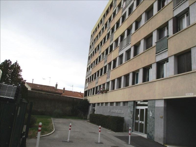 Verhuren  appartement Salon de provence 582€ CC - Foto 1