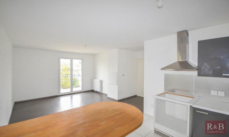 Sale apartment Plaisir 185000€ - Picture 2
