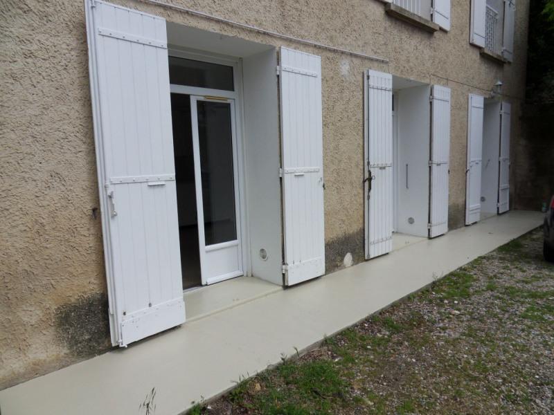 Rental apartment Entraigues sur la sorgue 600€ CC - Picture 1