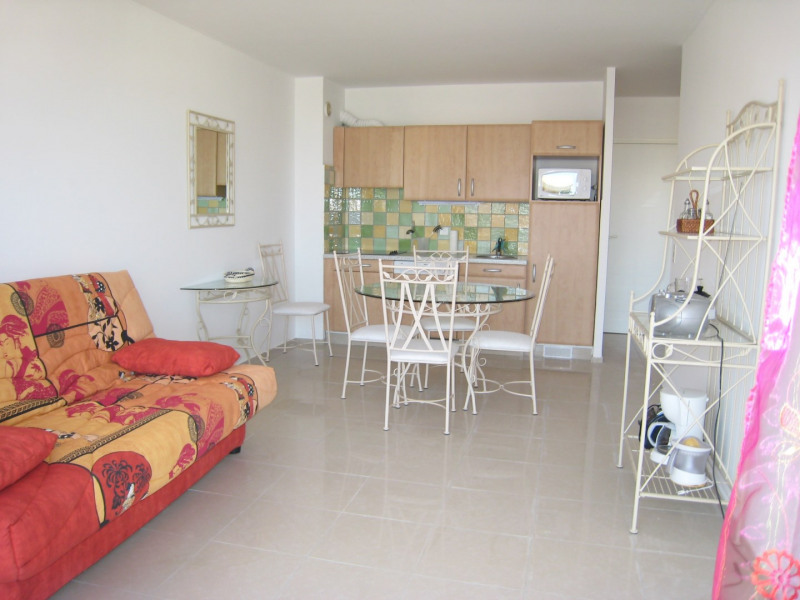 Vacation rental apartment Cavalaire sur mer 450€ - Picture 5