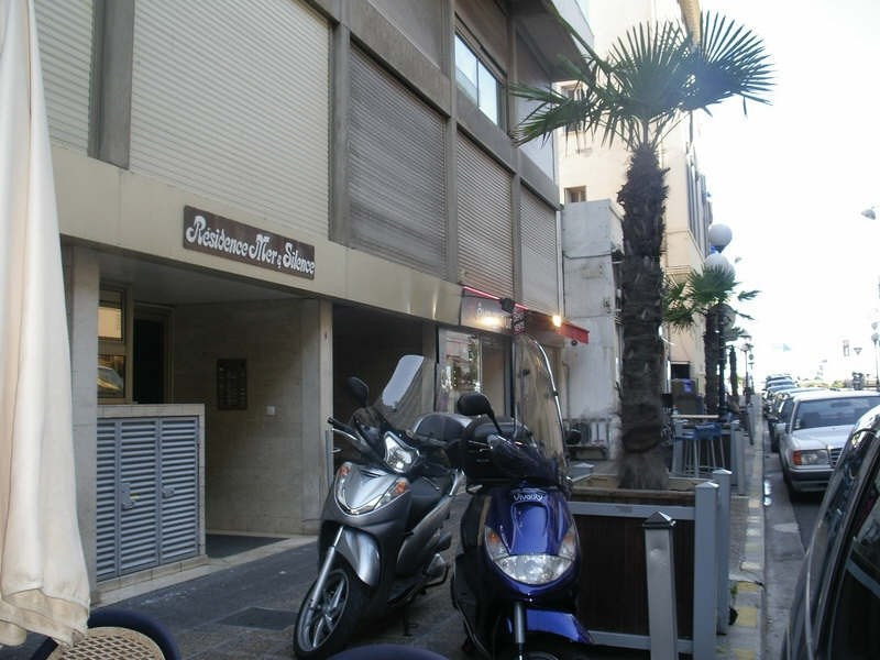 Rental parking spaces Nice 160€ CC - Picture 1