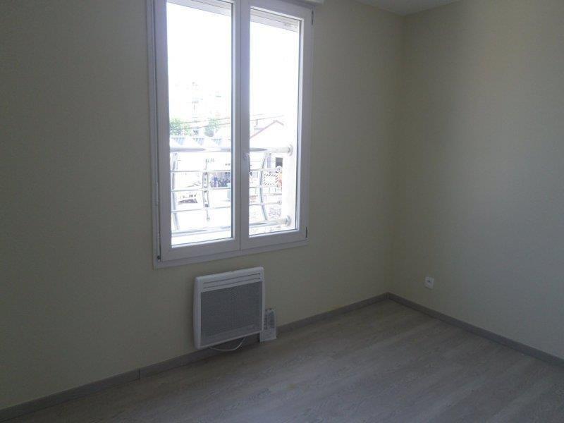 Rental apartment Saint andre les vergers 450€ CC - Picture 4